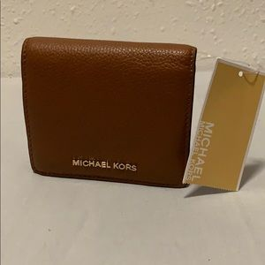 NWT Michael Kors Mercer carry all card case